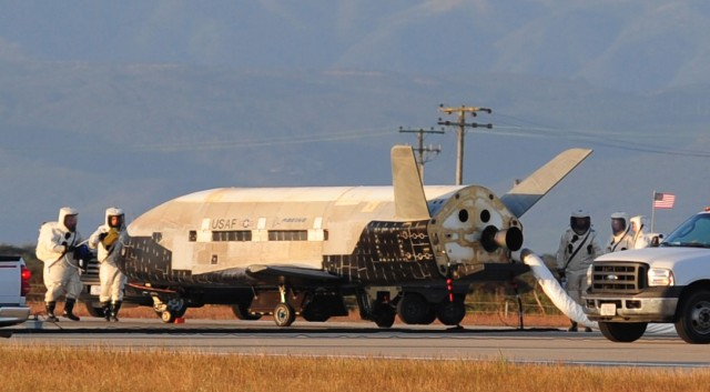 usaf-x-37b-landing-640x353